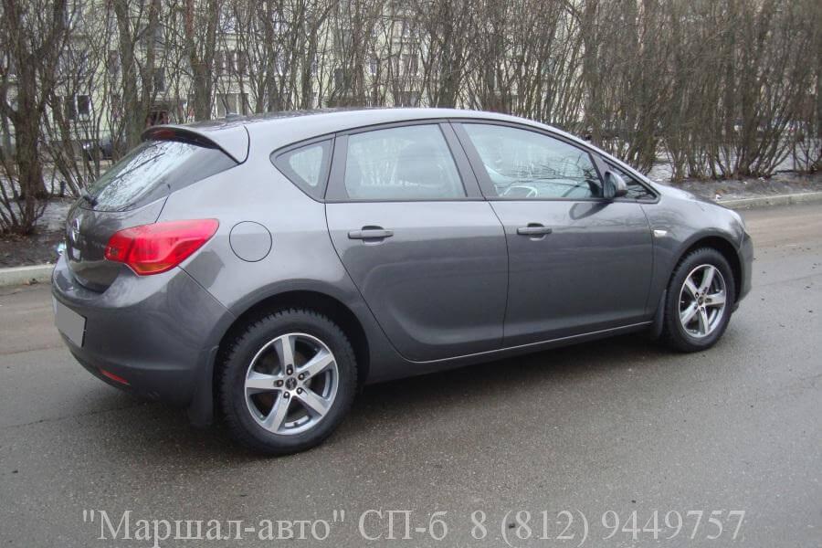 Opel Astra J 10г. 1.6 MT 3 в Санкт-Петербурге