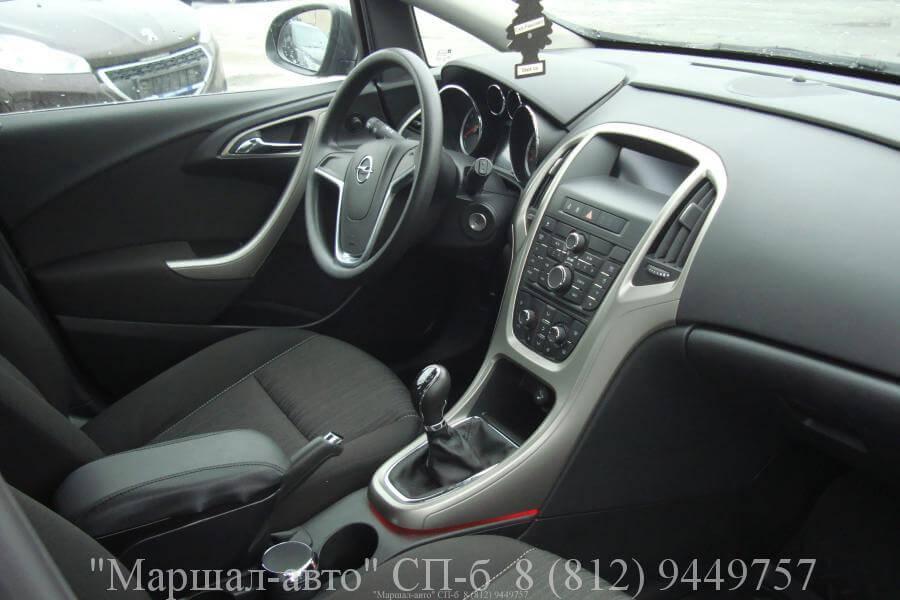 Opel Astra J 10г. 1.6 MT 6 в Санкт-Петербурге