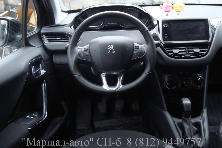 Peugeot-208 2013 1.2л 6 в Санкт-Петербурге