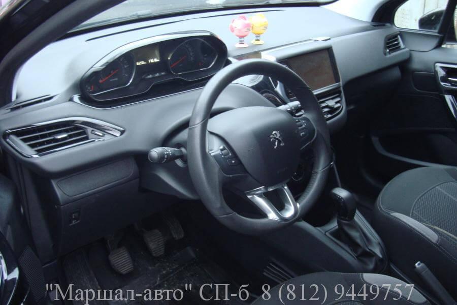 Peugeot-208 2013 1.2л 7 в Санкт-Петербурге