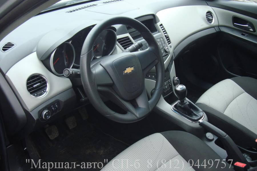 Chevrolet Cruze 12 г. 1.6 МТ 5 в Санкт-Петербурге