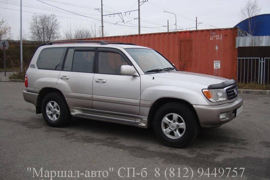 Автосалон предлагает продать автомобиль Toyota Land Cruiser 100 2002 года выпуска