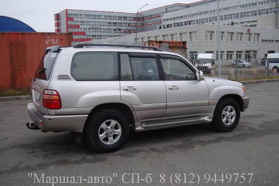 Автосалон продает Toyota Land Cruiser 100 2002 года выпуска